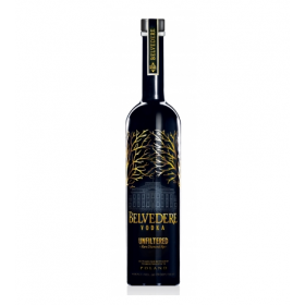 https://deluxlife.dk/media/catalog/product/B/e/Belvedere-Vodka-Unfiltered-Diamond-Rye-Vodka-70-cl_2048x2048.png